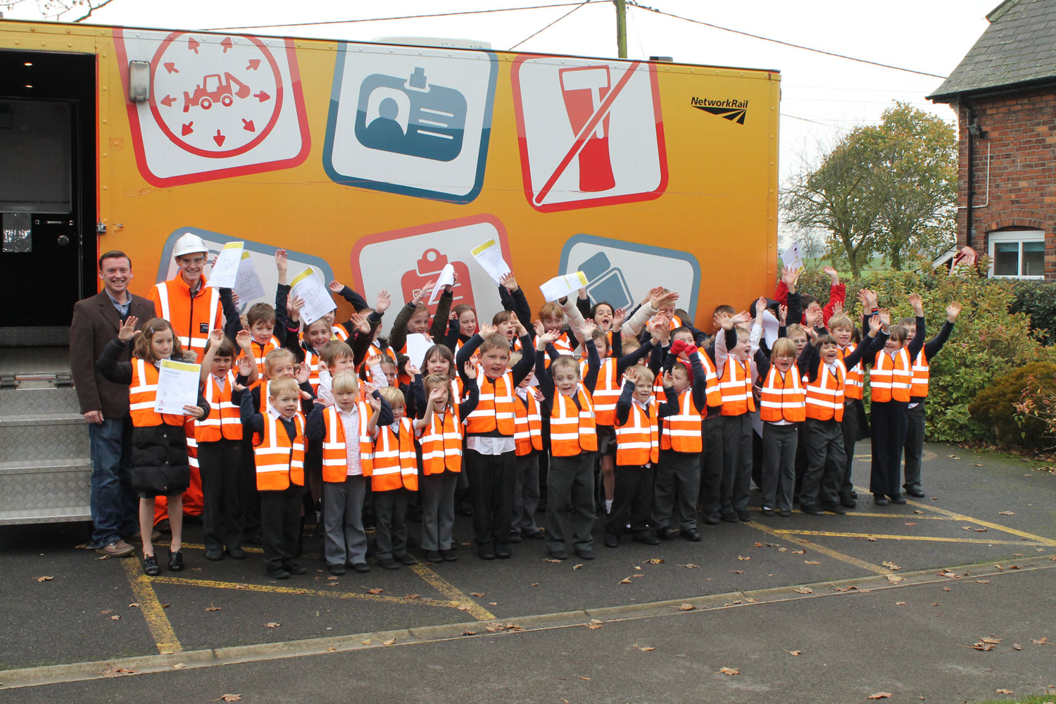 VolkerRail promotes rail safety at local primary school
